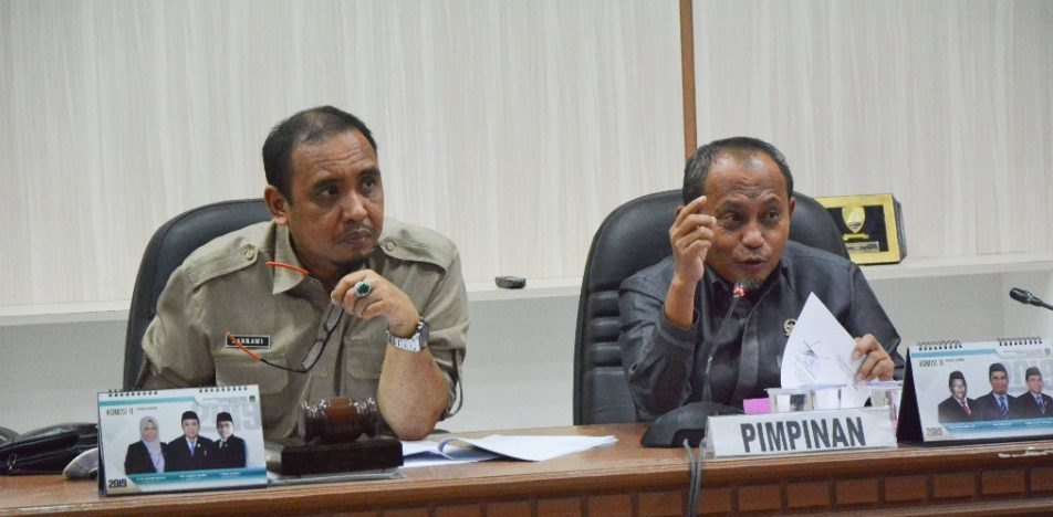 Rapat Komisi I DPRD Lutim